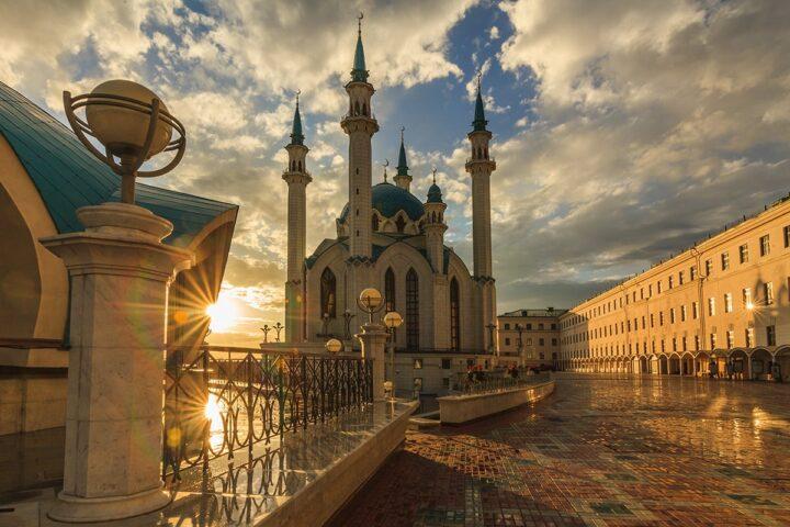 Золотой Казан и Красный город